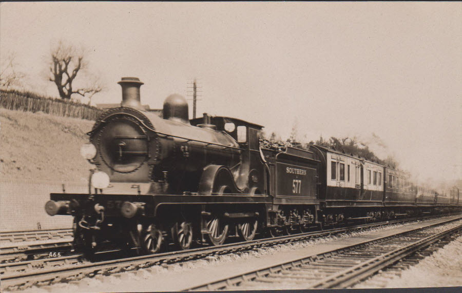 Postcard - Railways - Down Sunny South Express at Bickley