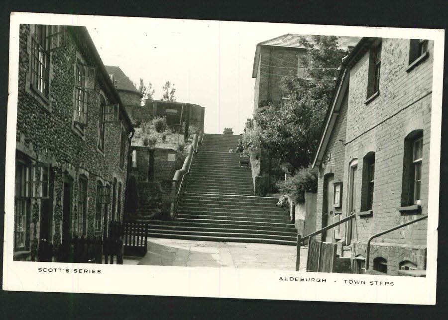 Postcard Suffolk Real Photo - Town Steps Aldeburgh 1958